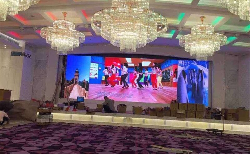 500 x 500mm VS 500 x 1000mm Rental LED Display Panel 1