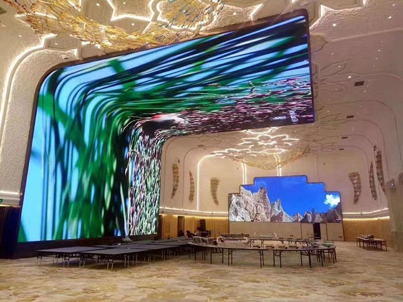 Synchronous LED display