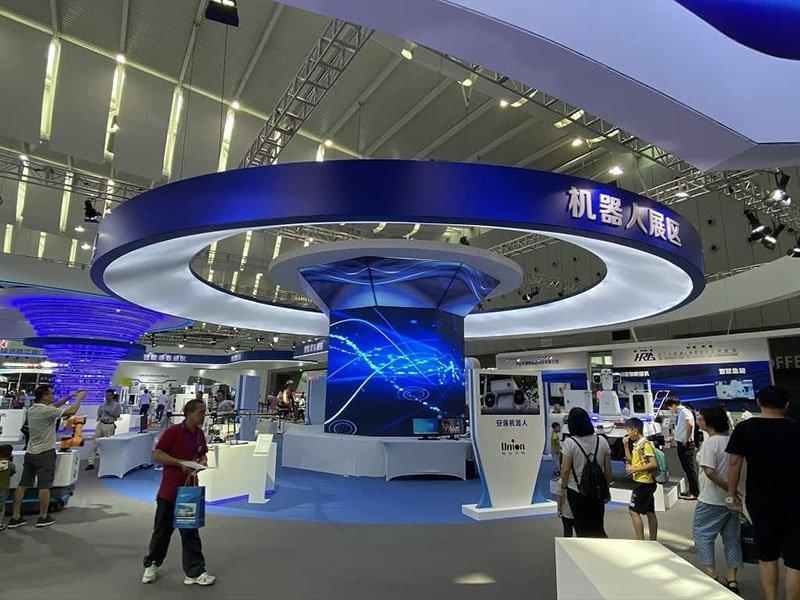 Cylinder LED screens
